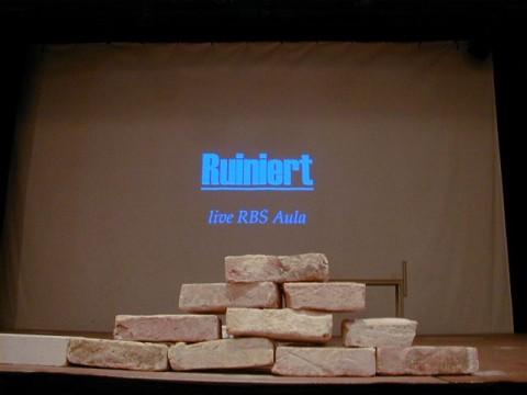Theaterstück: Ruiniert - Ein Zeitzeugen-Projekt